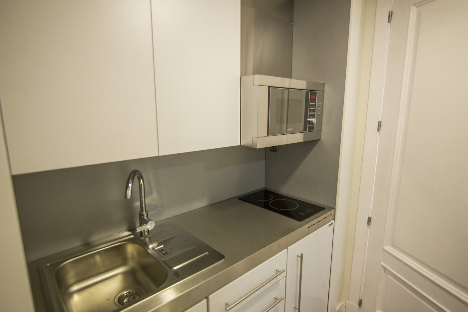 cocina apartamento abuardillado