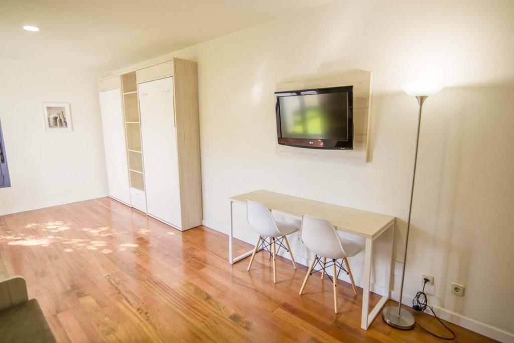 salón apartamento abuardillado